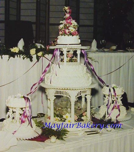Gazebo wedding cake